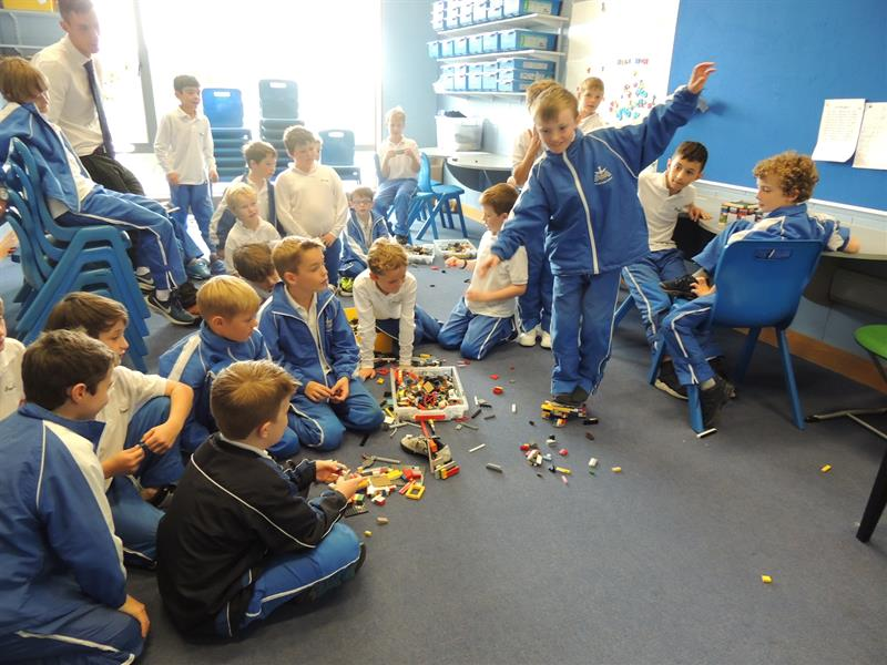 A 3rd Form STEM class in action!